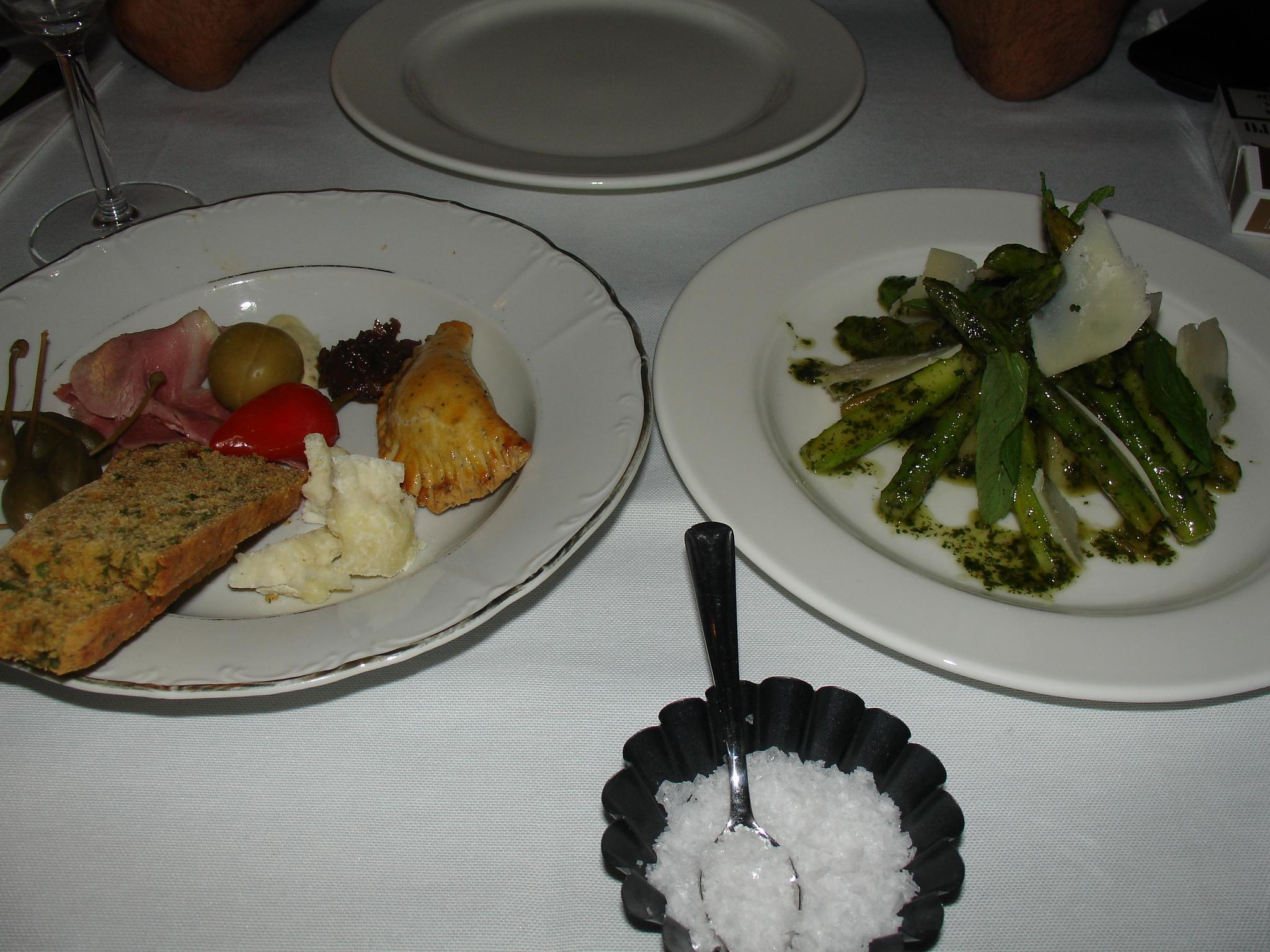 kopyasi-delicatessen-nupera-030109-001.jpg